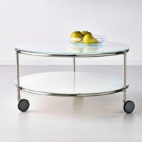 mesa de centro de vidro.